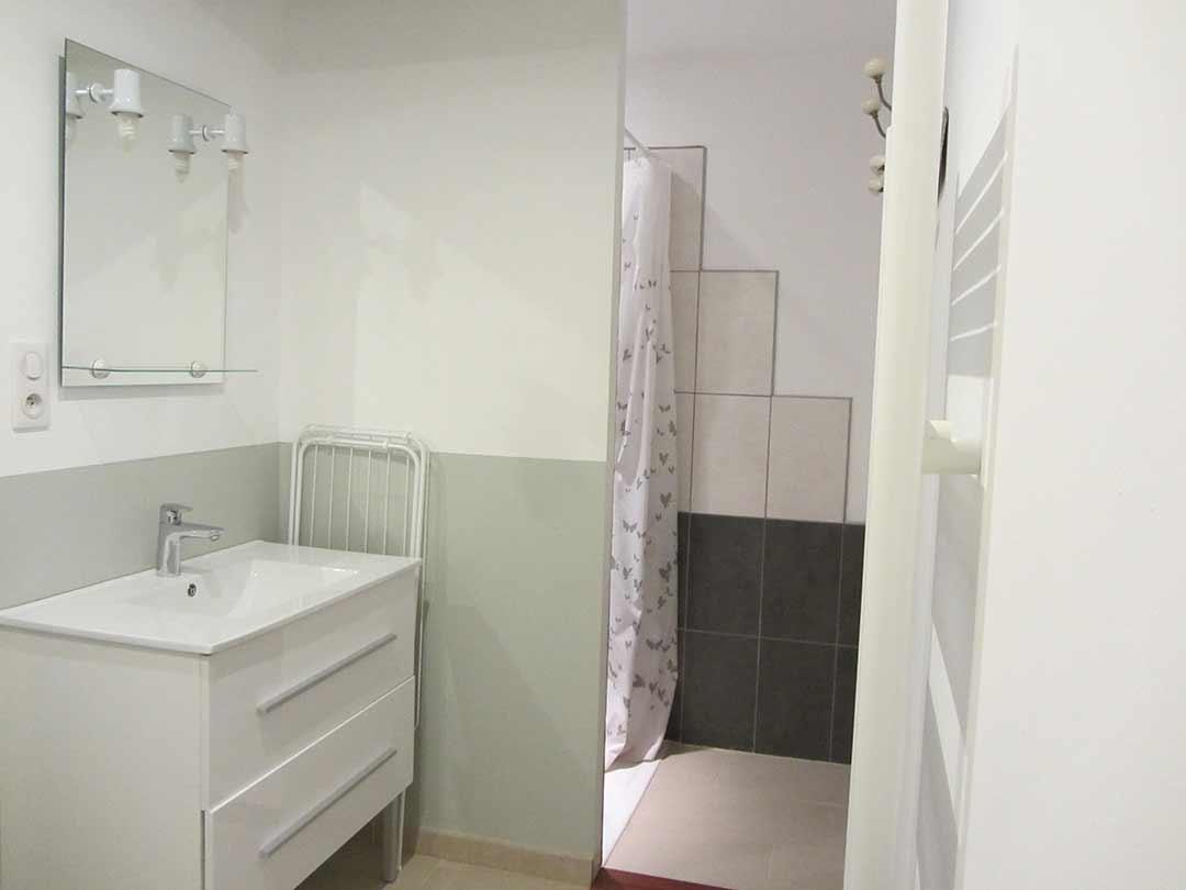 Salle de bain Gîte Gris clair